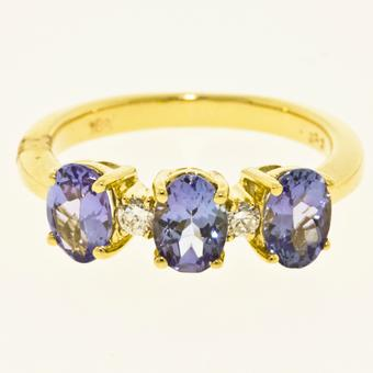 18k Yellow Gold .06ctw Diamond 1.65ct Tanzanite Ring